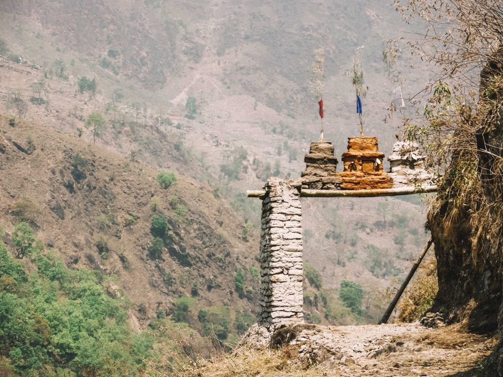 Pass-with-preyer-flags Best time to hike Annapurna circuit