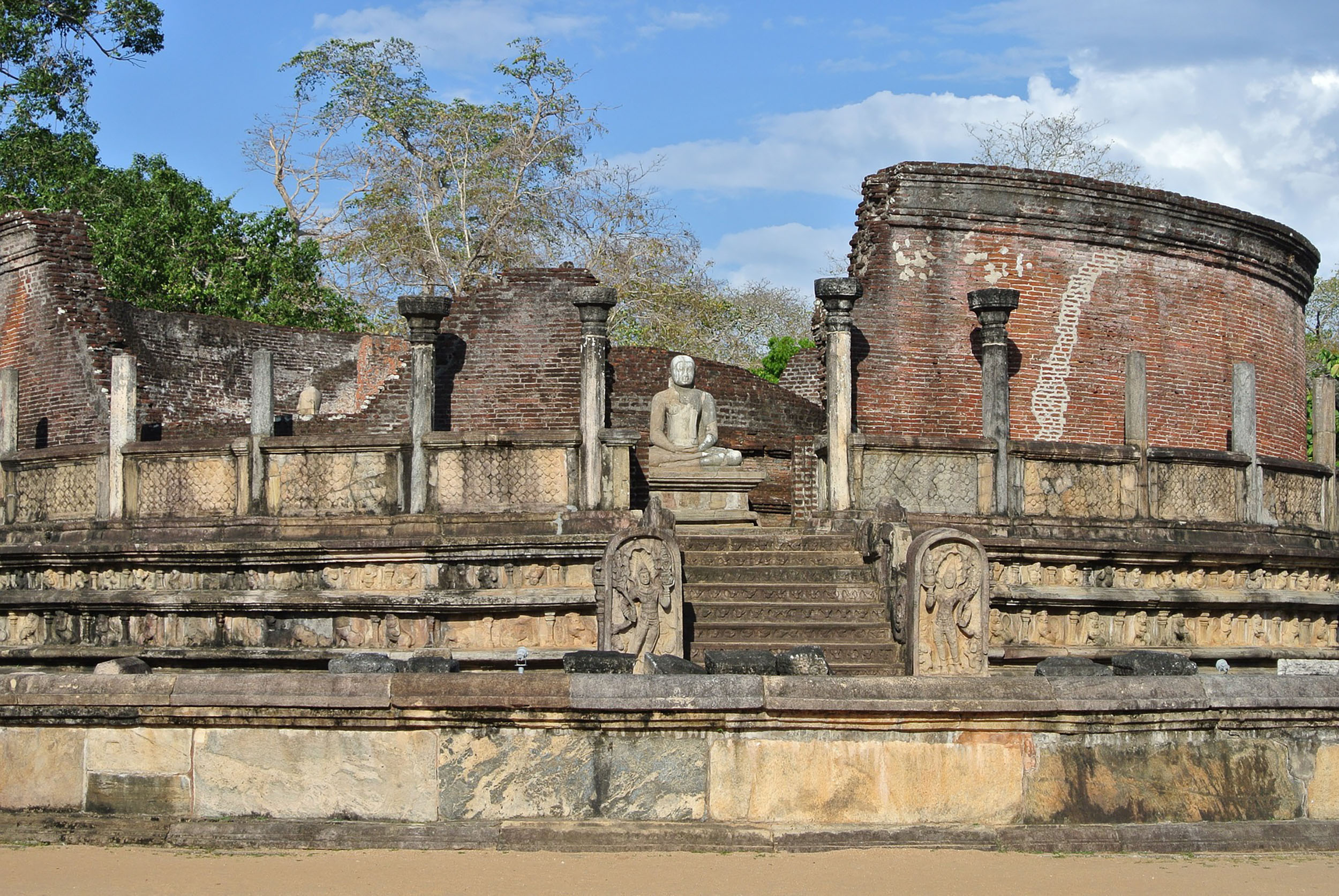 The Sacred Quadrangle in the Polonnaruwa ruins