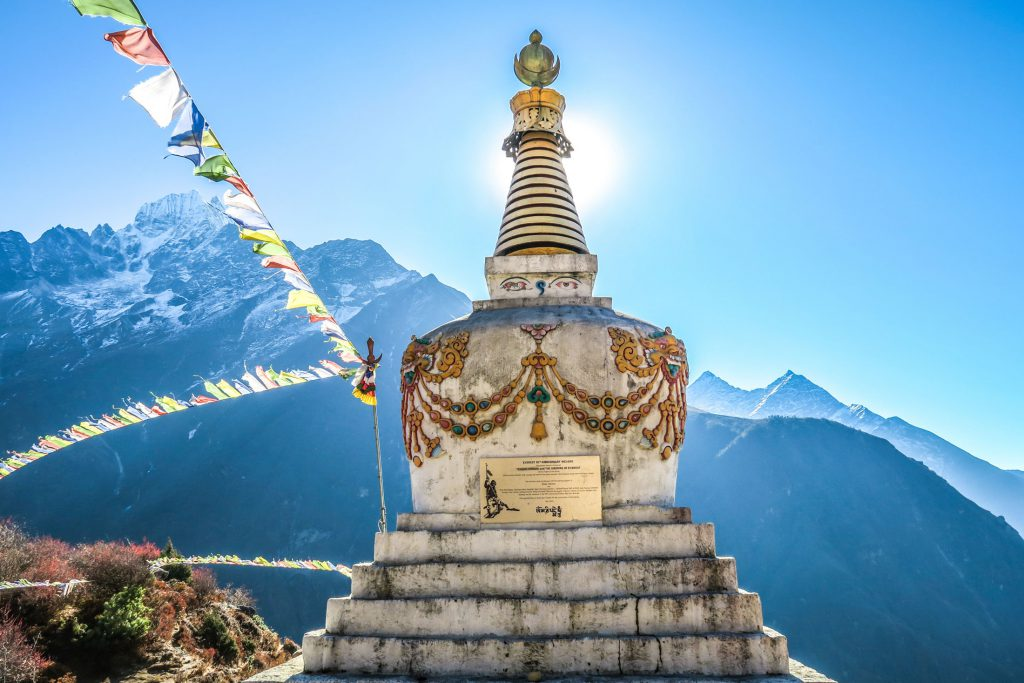 A traditional buddhist statue in Nepal on the Annapurna Circuit Trek