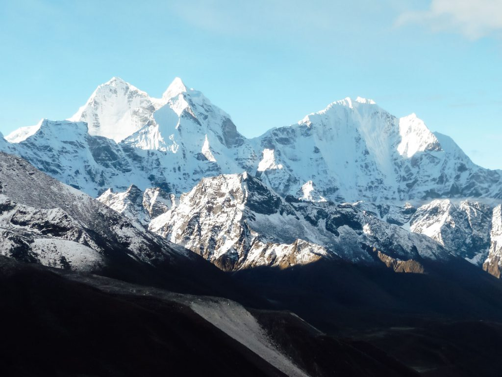Amazing snow covered peaks on the Everest Base Camp Trek