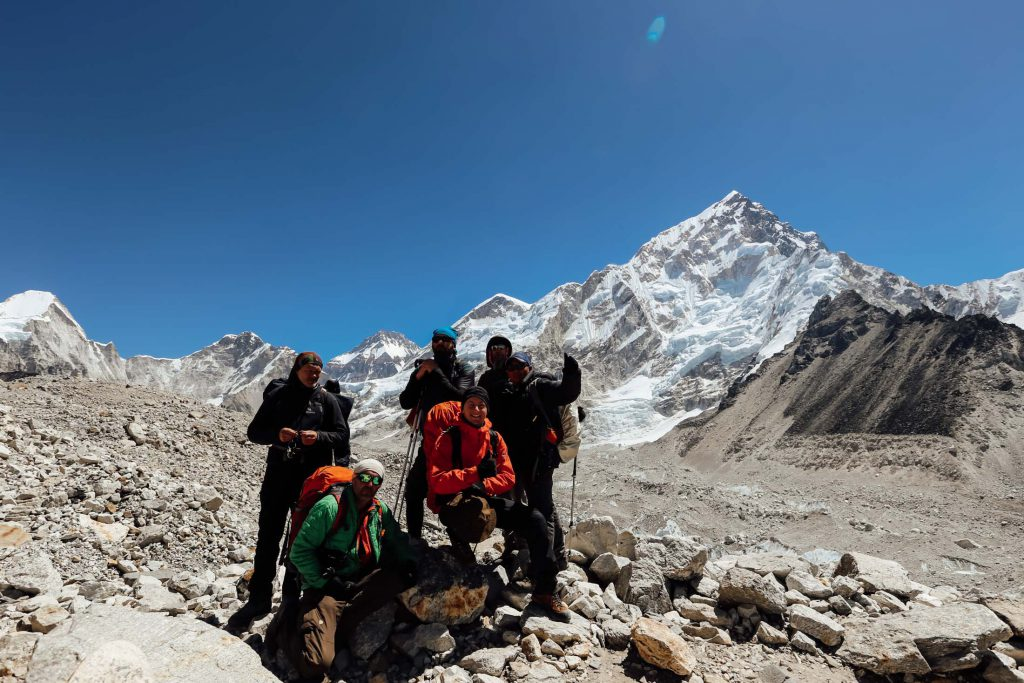 Trekkers stopping to take a photo on the Annapurna Circuit trek